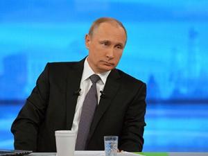"""""""Прямая линия"""" с президентом РФ Владимиром Путиным 16 апреля 2015 года"""