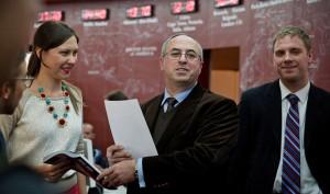 Евгений Абов (в центре) с журналистами-стажерами из США